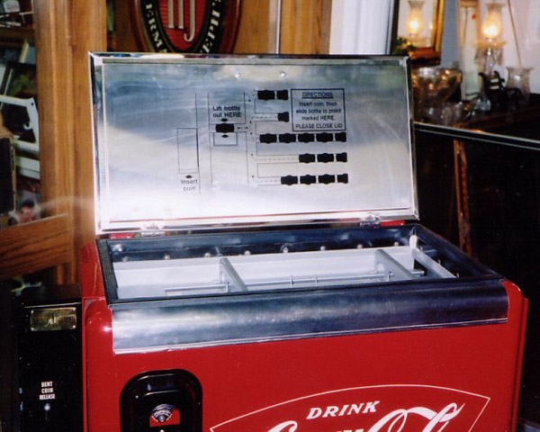 Coca Cola Ideal 55 Machine - Lid Interior