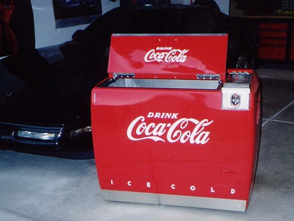1947 Coca-Cola Water Circulating Chest