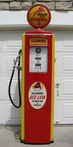 Tokheim Roar With Gilmore Gasoline Pump - Front View