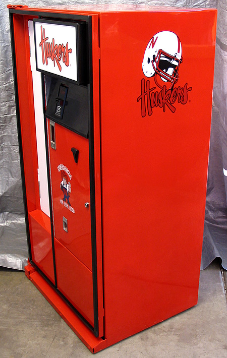 Nebraska Cornhuskers Cavalier 64 Machine - Right View