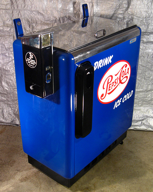 Pepsi Cola Ideal 55 Machine - Angle View