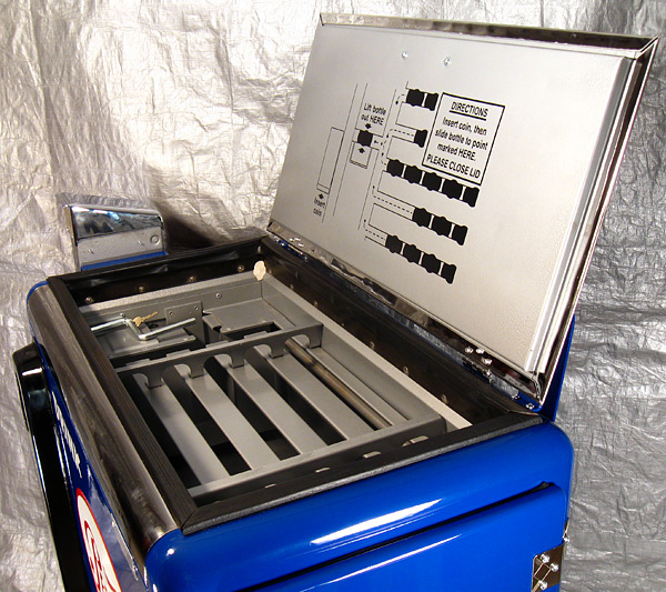 Pepsi Cola Ideal 55 Machine - Open Lid Detail